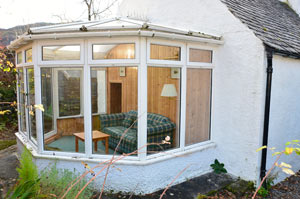 The conservatory of the self-catering cottage